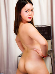 Sexy Curvy Blossom Strokes Her Cock!