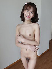 19 year old girlie Thai shemale with small tits gets a facial