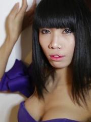 Skinny big-cock Ladyboy from Pattaya craves anal plugging